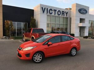 2013 Ford Fiesta SE One Owner, Accident Free, Automatic, Bluetoo Windsor Region Ontario image 2