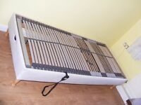 CAN DELIVER - ELECTRIC ADJUSTABLE SINGLE BED BASE WITH REMOTE CONTROL IN VERY GOOD CONDITION
