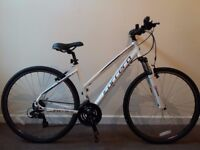 """Carrera Crossfire 1 White 18"""" girl frame. I PERSONALLY DELIVER IT WITHIN WOLVERHAMPTON AREA"""