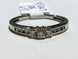 #3067 10K WHITE GOLD LADIES ENGAGEMENT RING. *SIZE 6 1/8* JUST BACK FROM APPRAISAL AT $1250.00 SELLING FOR ONLY $425.00