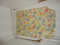 Kids Single duvet cover & one pillowcase with 'Teddies' pattern on it VGC £2 SIZE for single bed