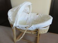 Mamas and Papas Barnaby cream moses basket and stand