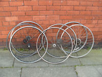 job lot of 700c bicycle wheels