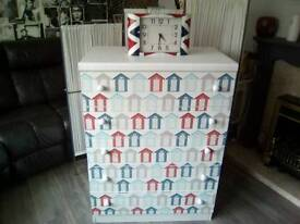 Beach Hut themed tall 5 drawer chest of drawers