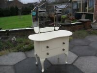 Shabby Chic Farmhouse Country Pine Dressing Table With 3 Section Mirror In Farrow & Ball Cream No 67