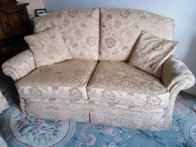 Bridgecraft Blenheim 2 Seater Sofa And