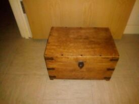 Wooden trunk/chest