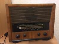 McMichael Vintage Valve Radio No.854