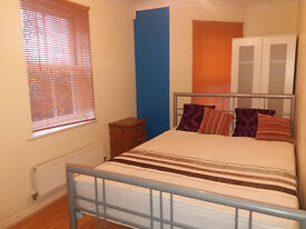 Double Rooms for YOU! Near Christchurch Town - Bournemouth Hospital - Airport