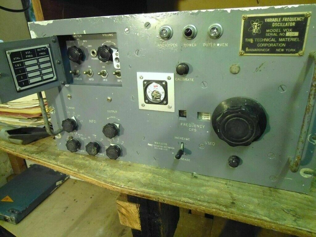 VINTAGE COMMUNICATIONS VFO VARIABLE FREQUENCY OSCILLATOR HAM RADIO  STAGE  PROP?? | in Kidderminster, Worcestershire | Gumtree