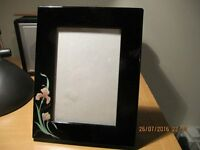 black gloss photograph frame as new 17cm x 13cm frame size, takes 12 x 8 picture