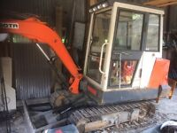 3.5t Kubota digger with blade & 3 buckets