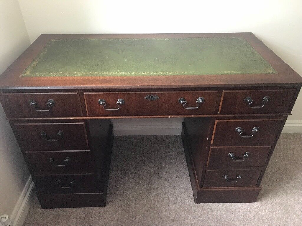 Antique style pedestal desk (