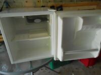 THORN BRAND BAR FRIDGE IN EXCELLENT CONDITION
