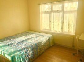 Churchlane, Kingsbury, Double rooms available