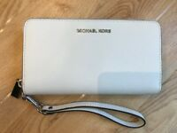 Michael Kors Ladies White Wristlet Purse (Brand New)