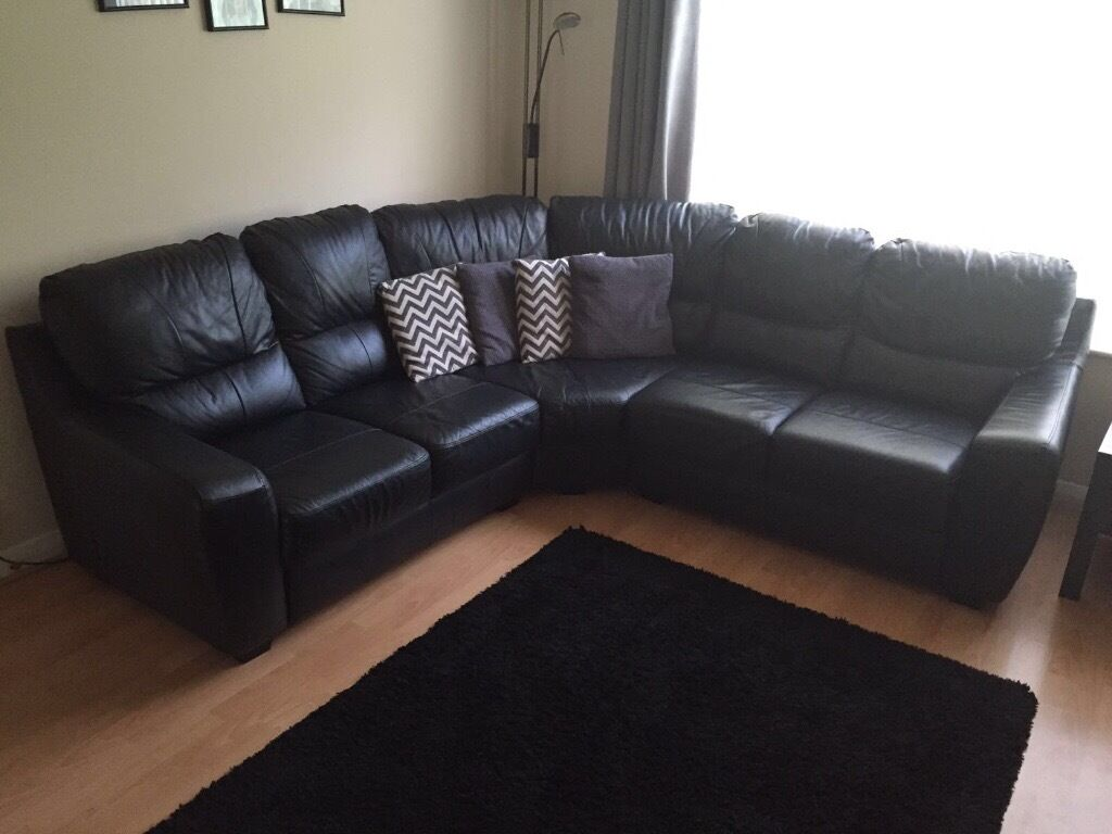 Black Leather Corner Sofa From Homebase In Excellent Condition - Black leather corner sofa