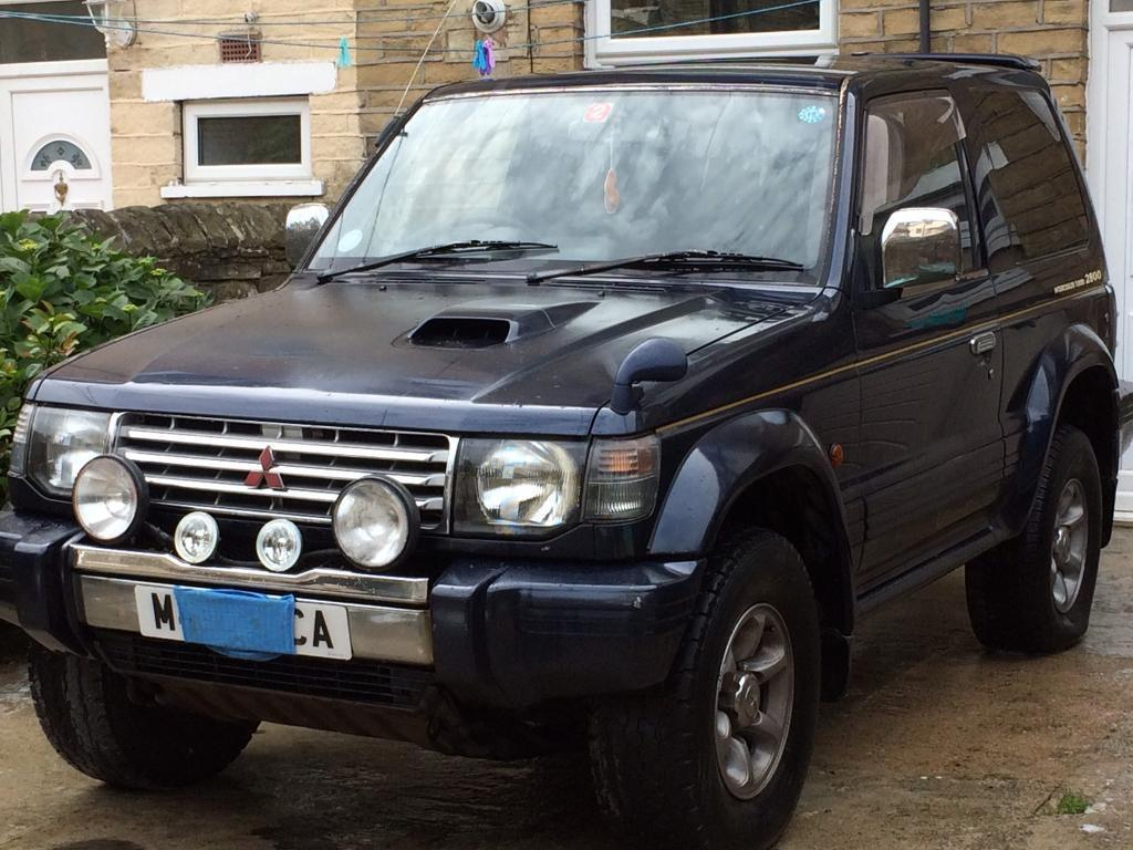 mitsubishi pajero 2 8 td 4x4 in bradford west yorkshire gumtree. Black Bedroom Furniture Sets. Home Design Ideas