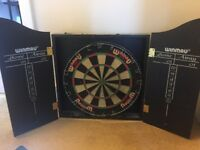 Dartsboard, black doors, darts included