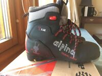 Ski boots for cross country/Nordic/touring, size 35, UK 2.5 kids/child's/junior/boy's/girl's
