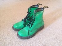 Various size 5 womens shoes