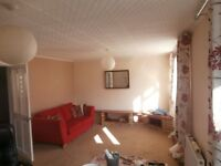 2 bed Mid Terraced House £800.