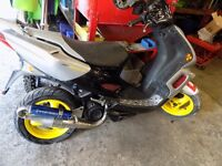 peugeot speedfight 2. 50cc breaking for parts all parts available