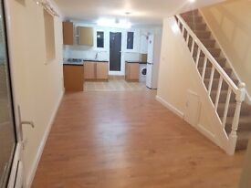 2 BEDROOM HOUSE IN DAGENHAM, CRESCENT ROAD RM10 7HT. £1300 PER MONTH. DSS ACCEPTED.