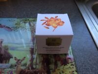 """The Body Shop """"OILS OF LIFE"""" Intensively Revitalising cream"""