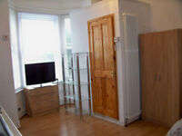 Great Self Contained Studio for Professional All Bills & Council Tax included SE136HN ZONE 2