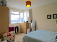 A 2 bed flat to rent in Beechlawns, Torrington Park, North Finchley N12 9PP £1200pcm