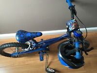 """Boys 16"""" Skylanders bike with stabilisers, bell and helmet. Hardly used and in great condition"""