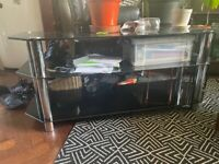 *****ALL GLASS**** TV STAND NEED GONE*** CENTREPIECE
