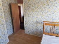 Double Bedroom, £350 to let In Luton, 10 Mins walk Luton Airport ,all Bills Inclulded 70 MB Internet