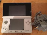 Nintendo 3DS Ice white Console Plus 2 Games