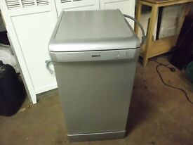 BEKO SLIMLINE DISHWASHER IN SILVER