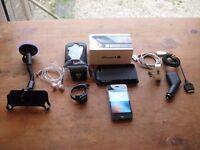 Apple iPhone 4s - 32GB - Black (Unlocked) Smartphone + Case + Windscreen iPhone Holder +cycle case