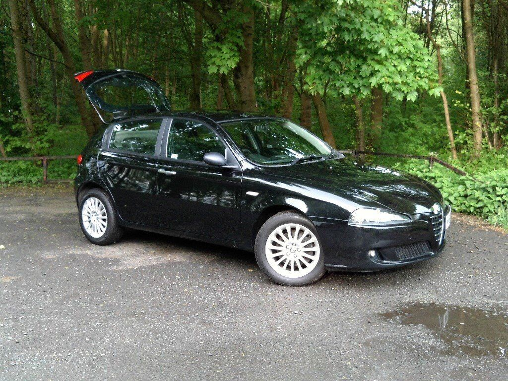 alfa romeo 147 jtd m lusso 1 9 turbo diesel 150 bhp 5 door in black with black leather 6 spd. Black Bedroom Furniture Sets. Home Design Ideas