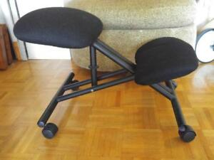 Oakville Orthopedic Chair Adjustable Height - Knee Seat Rollers - Seating Rolling Metal Upholstery Black