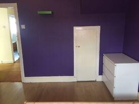 Double Room !! Kingsbury 130 PER WEEK