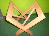 Mini wooden fold-up art browser