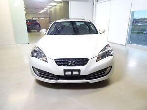 2011 Hyundai Genesis Coupe 3.8L GT 6sp West Island Greater Montréal image 2