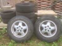"16"" Land Rover wheels x4."