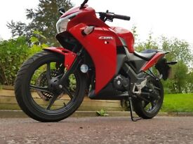 Immaculate 2014 (14) Red Honda CBR 125 R | Not Yamaha YZF125 or Aprilia 125 or Honda CB 125