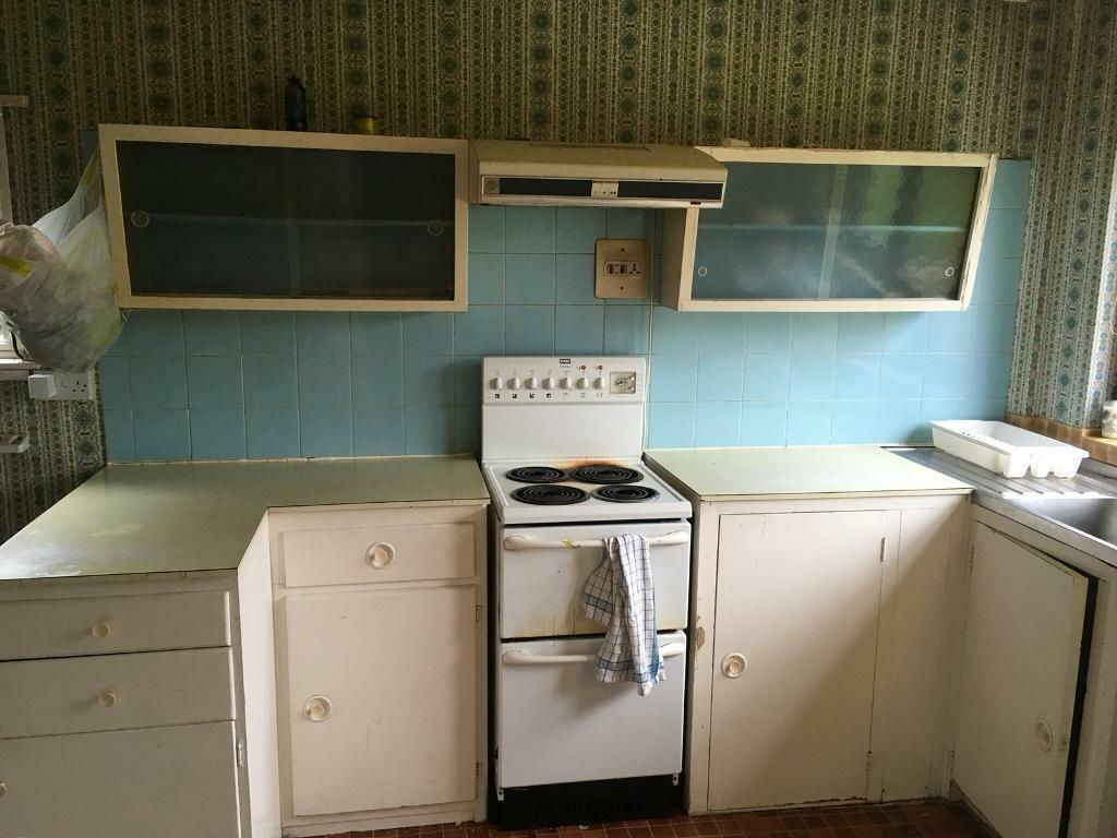 1950's / 1960's Kitchen. Urgent.
