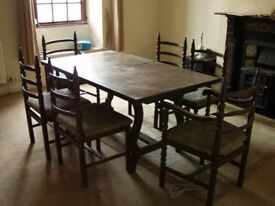 Toledo Extending table and chairs