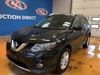 2016 Nissan Rogue SV AWD/ VISTA ROOF/ NAVI/ POWER LIFT-GATE/...