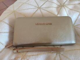 Micheal kors purse brand new