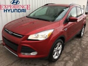 2014 Ford Escape SE 4X4 WITH VERY LOW KMs  FACTORY WARRANTY AND