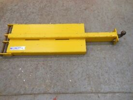 forklift tow ball attatchment for moving trailers, caravans, anything that has a towball.